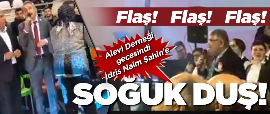 CHP'li Adıgüzel, taklacının türkülü şovunu yarıda kesti